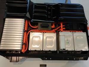 電気自動車バッテリーの使い方